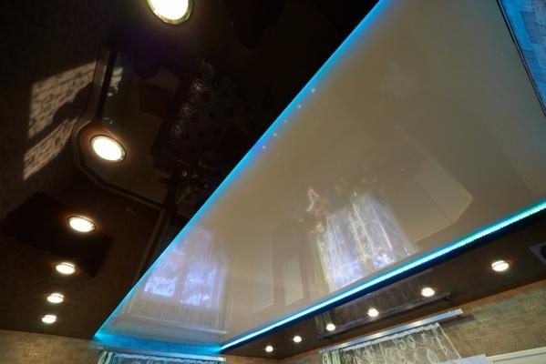 Альбом: Двухуровней потолок со светодиодной подсветкой, 18м2. Фото: 233