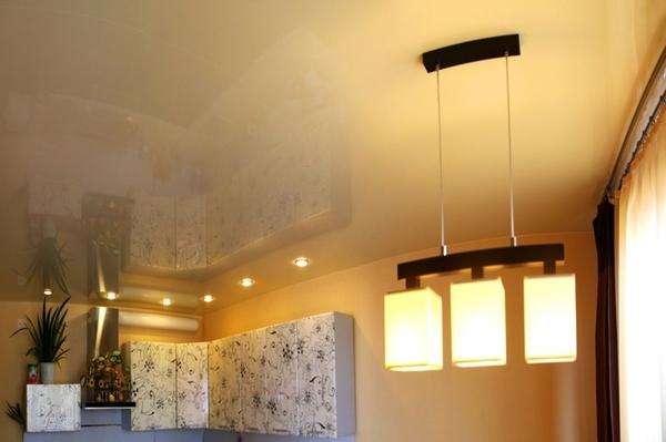 Альбом: Цветной глянцевый натяжной потолок, 17 кв.м.. Фото: 235